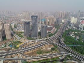 湖北省内非武汉户口在外地工作,能使用异地公积金在武汉贷款买房吗?